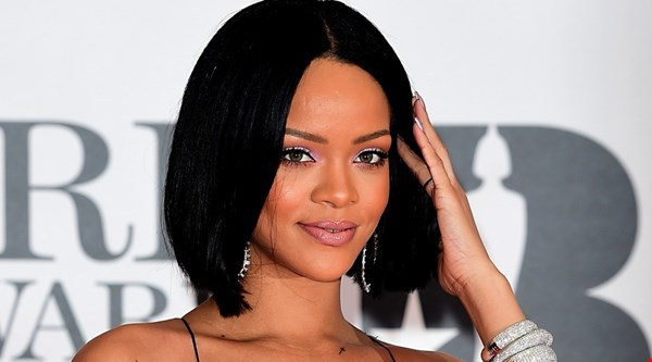 Rihanna to receive top honour at MTV VMAs