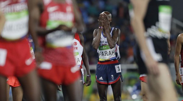 Mo Farah fell over during the 10,000 metres and Twitter could not deal with the drama