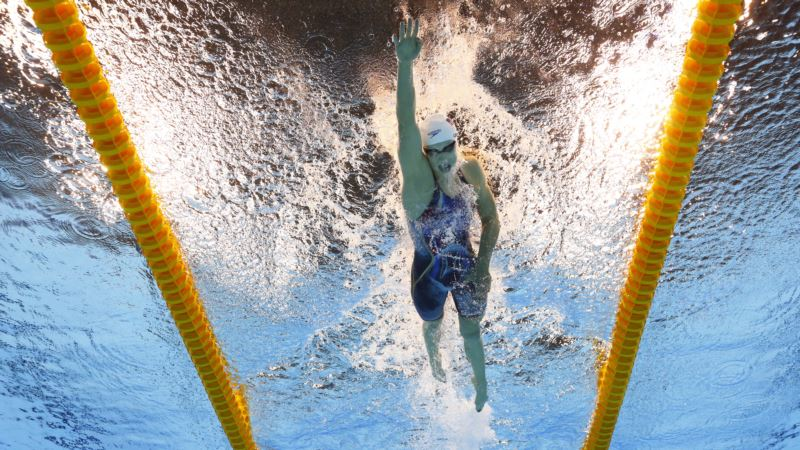 Michael Phelps, Katie Ledecky Recreate Iconic Photo