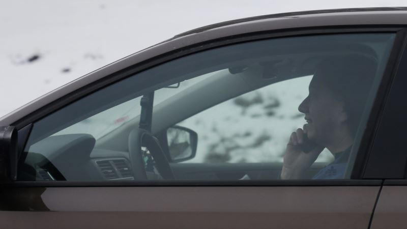Psychiatrist Explains Why We Text and Drive