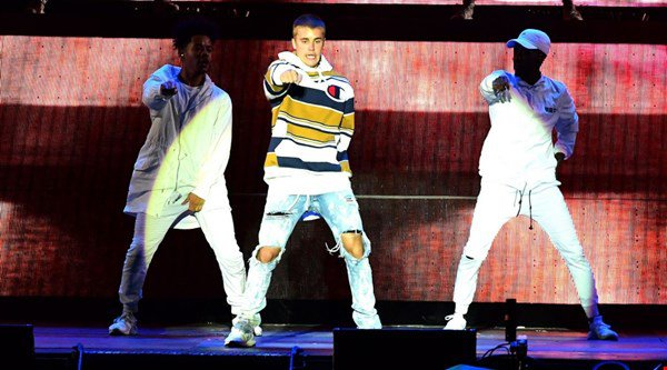 Justin Bieber hype puts Rihanna in the shade at V Festival