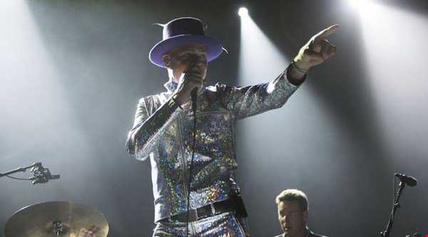 Tears flow as terminally ill frontman of Tragically Hip plays his last gig