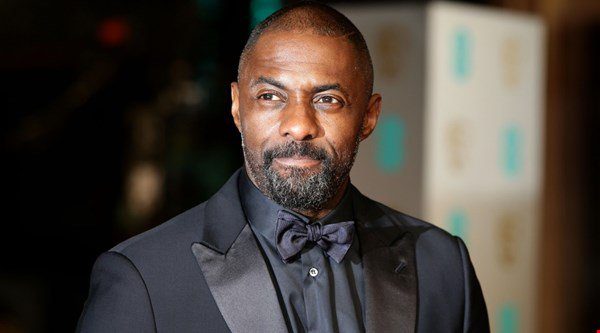 Idris Elba shares workout picture on Instagram – and fans are swooning