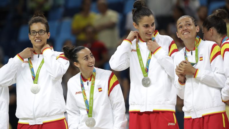 US Women Win Olympic Basketball Gold in Dominating Fashion