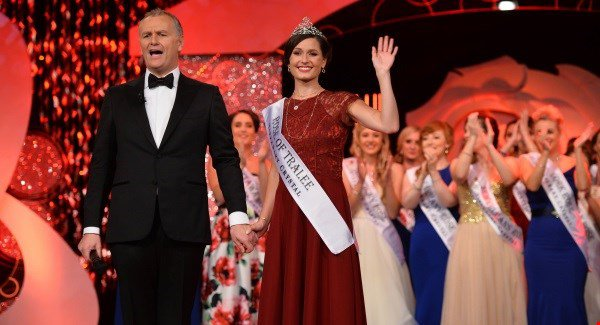 Chicago Rose Maggie McEldowney crowned 2016 Rose of Tralee