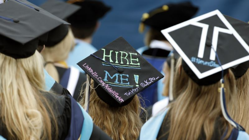 Job Prospects Look Good for Recent College Grads, Survey Finds