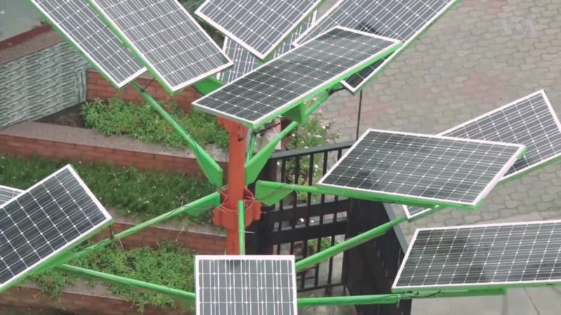 Indian Scientists Design Solar Tree to Save Space for Solar Power Generation