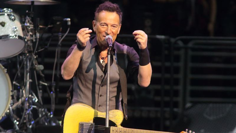 Springsteen Breaks His Record for Longest US Show