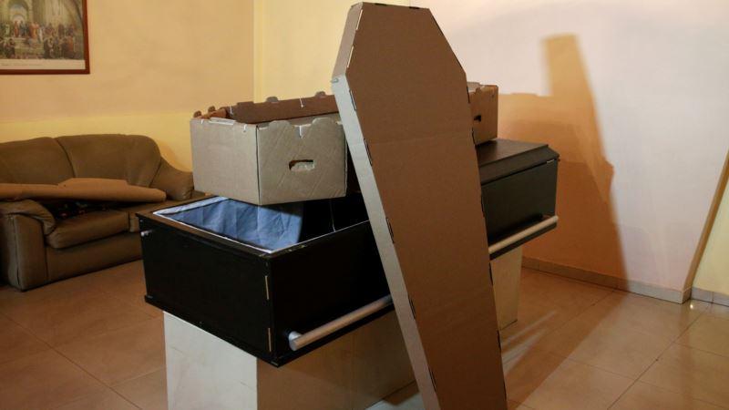 Venezuela's Steep Prices, Scarcities Open Way for Cardboard Coffins