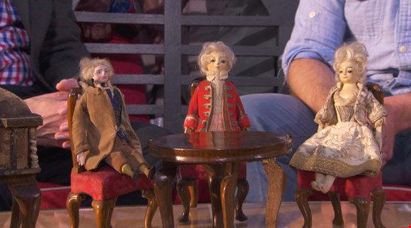 Antiques Roadshow expert left stunned by incredibly valuable doll's house find